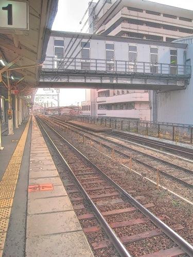 th_駅のホーム