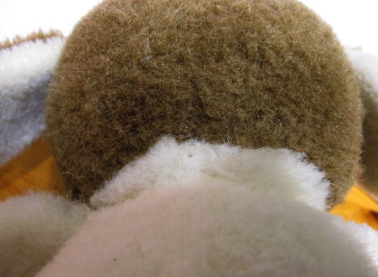 首筋の穴 補修