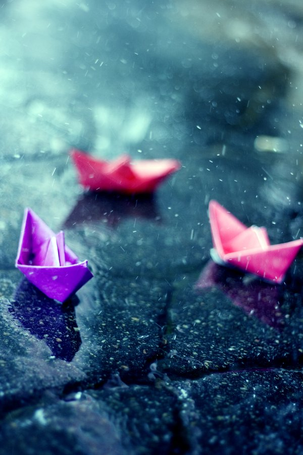 Paper_Boat_by_Eredel.jpg