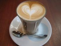 Paul Bassettでカフェラテ