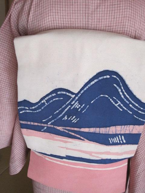 ろうけつ染めの帯。珍しい色合い♪ピンクコーディ。