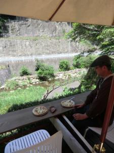 0630川の音と自然の風が涼しいです♪