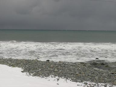 目の前は日本海