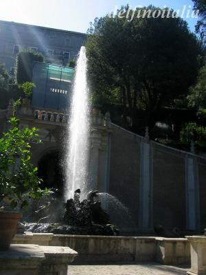 竜の噴水1
