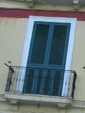 サレルノの窓