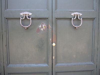 マルタ騎士団長の館へのドア