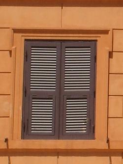 ローマの窓(閉)