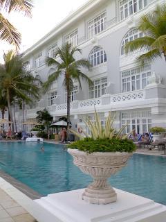 オリエンタルホテル1