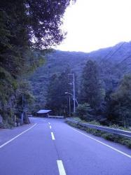 剣山への道