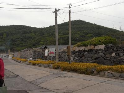 特徴ある壁の土地