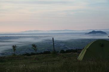 北海道2009 きじひき高原のキャンプ場から朝霧の函館