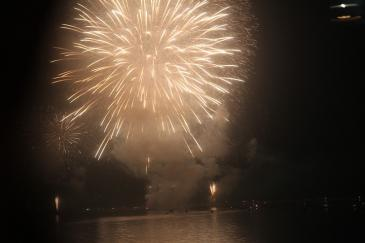 北海道2009 敦賀港の花火で帰還祝い
