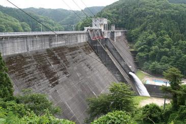 三河湖(羽布ダム)