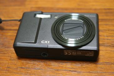 RICOH CX1 正面