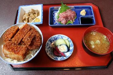 伊那市 しらかば かつ丸定食(1800円)