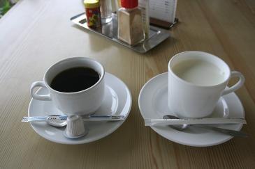 車山肩 チャプリン ホットコーヒー&ホットミルク