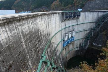 矢作ダム 堤