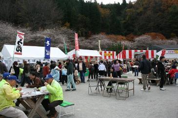 豊田市小原 四季桜 祭り会場の屋台