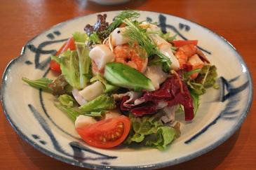 チッタナポリ レストラン シーフードサラダ