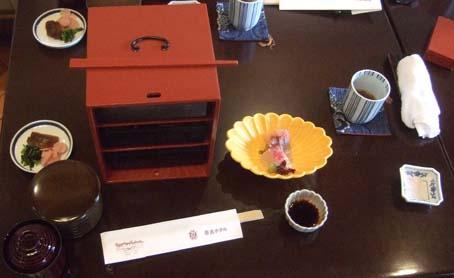 20101021 奈良ホテル 昼食 万葉弁当 003 16cm