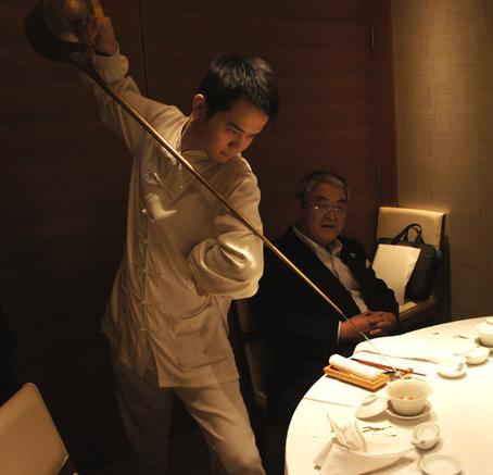 201103 四川豆花 お茶パフォーマンス 16cmDSC04777