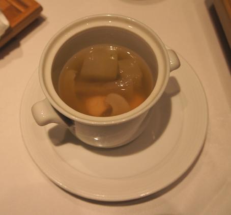 201103 四川豆花 フカヒレスープ 16cmDSC04830