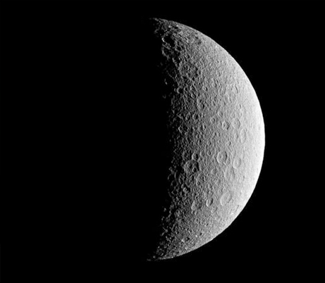 rhea-saturn-moon-oxygen_29483_big.jpg