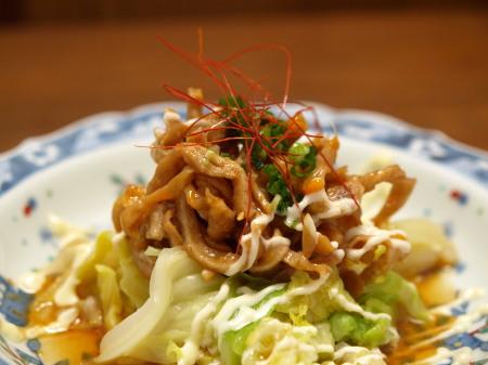 茹でキャベツと鶏皮のピリ辛ポ完3