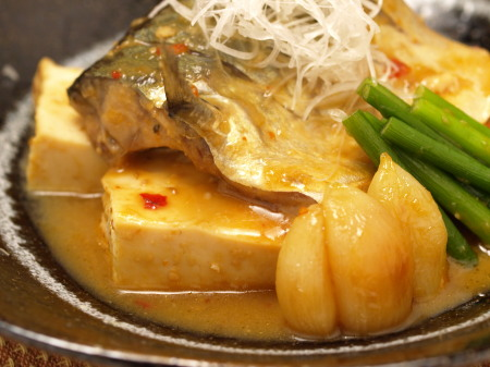鯖と豆腐にんにく味噌煮a04