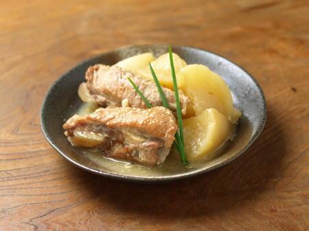 豚カルビと大根の味噌煮込み16
