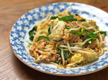牡蠣とモヤシのキムチ炒め18