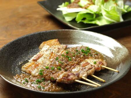 豚バラ串、玉葱ソース08