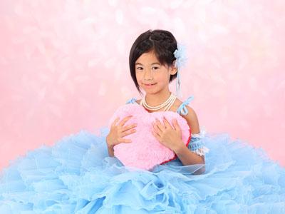 秋田の七五三 スタジオ撮影 7歳 ドレス ミウちゃん