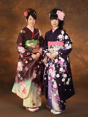 秋田の成人式 スタジオ撮影 振袖 トモミさん&アヅサさん