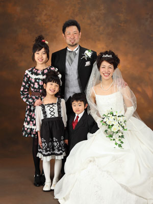 秋田のブライダルフォト スタジオ撮影 写真だけの結婚式 サトウさま1