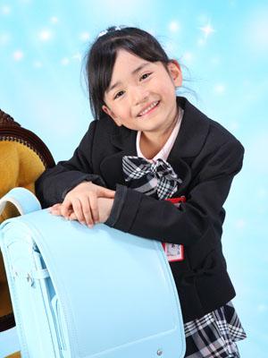 秋田の入学写真 スタジオ撮影 小学入学 リピーター ハルアちゃん