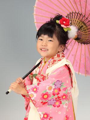 秋田の七五三 スタジオ撮影 3歳 アカリちゃん