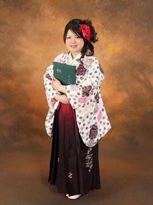 秋田の卒業写真 スタジオ撮影 大学卒業 ミキさん