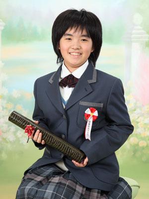 秋田の卒業写真 スタジオ撮影 小学卒業 アスカさん