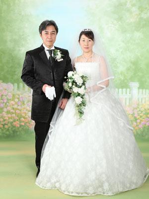 秋田のブライダルフォト スタジオ撮影 写真だけの結婚式 ガーデン
