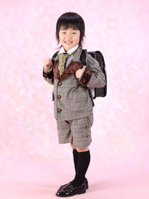 秋田の入学写真 スタジオ撮影 小学入学 ランドセル