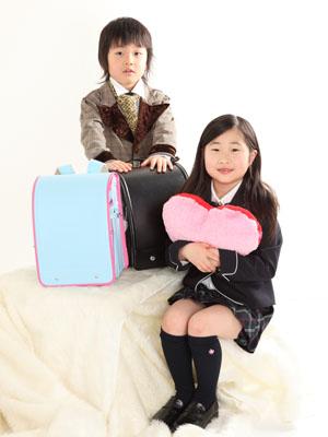秋田の入学写真 スタジオ撮影 小学入学 ランドセル2