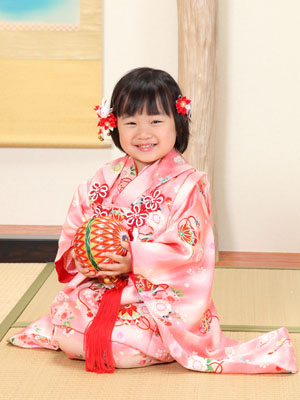 秋田の七五三 スタジオ撮影 3歳 和室セット モモカちゃん
