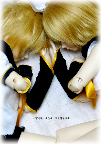 黄色い双子的な何か。