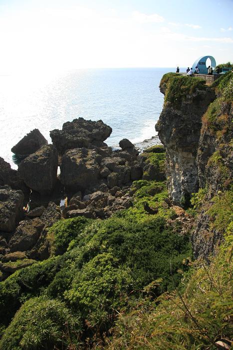 喜屋武岬の崖