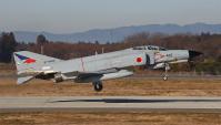 離陸するF-4EJ Kai #422 「一望百里」から撮影