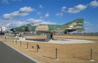 茨城空港のRF-4展示風景