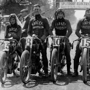 racers-b.jpg
