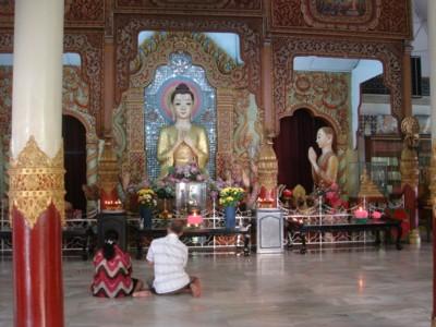 ビルマ寺院本堂