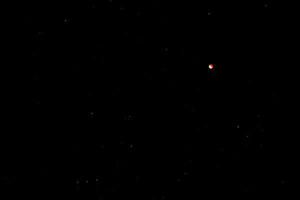 三ツ星と月食111212
